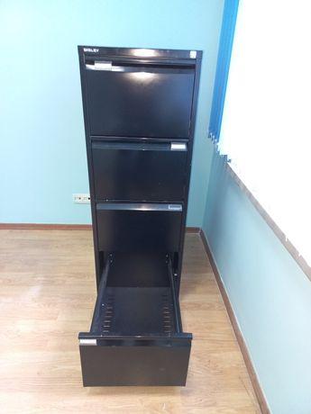 Продам  металлический  шкаф