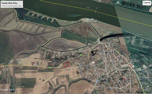 Vand teren cu vedere la Dunare