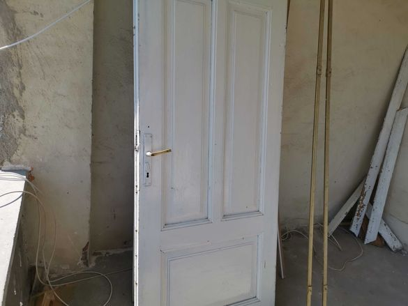 Старинни дървени врати масив