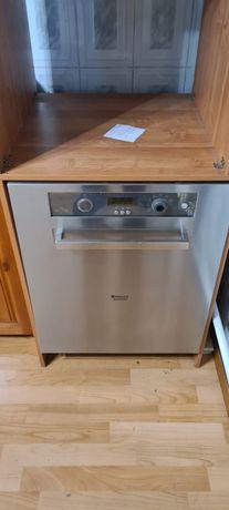 Продам большую посудомоечную машинку Ariston