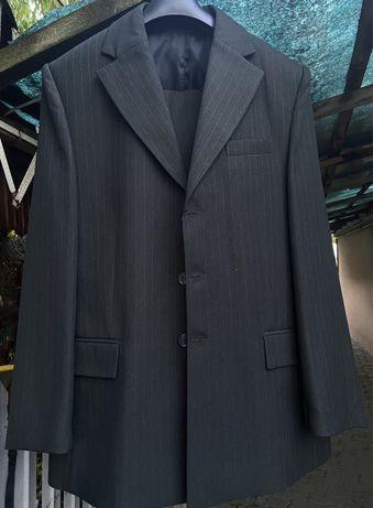 Costum de lana 46