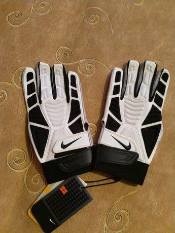Кожени спортни ръкавици Nike