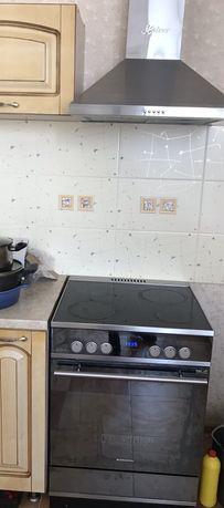 Электрическая плита и вытяжка