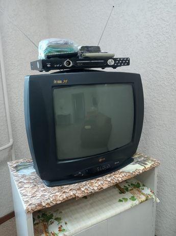 Продам телевизор и ДВД.