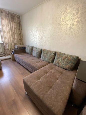Продаётся диван и пуфики