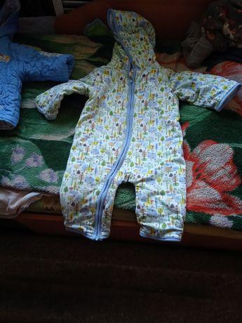 Продам детские костюм
