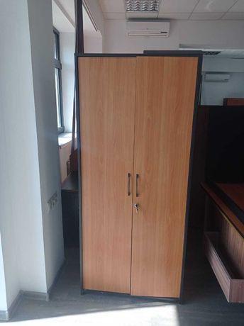Продам срочно шкафы в хорошем состоянии для офиса или дома
