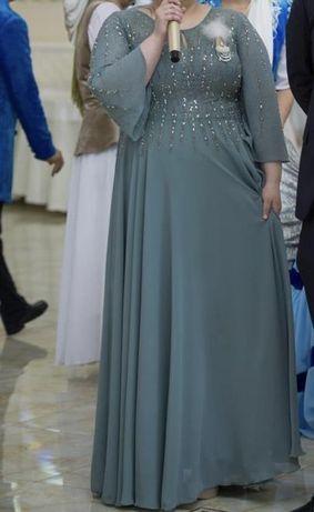 Вечерьнее платье