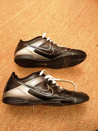 Adidasi originali Nike 41