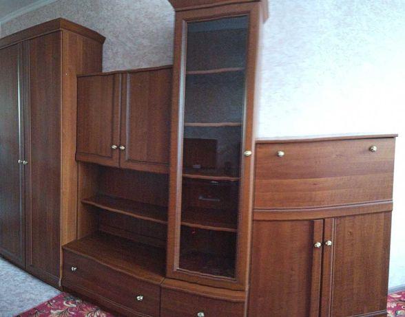 Шкафы в зал в отличном состоянии