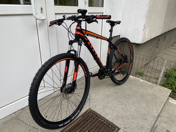 Vand bicicleta noua Kross