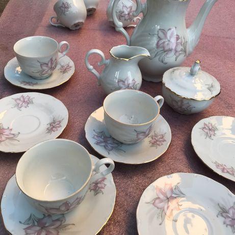 Порцеланов сервиз за чай или кафе - 15 части.