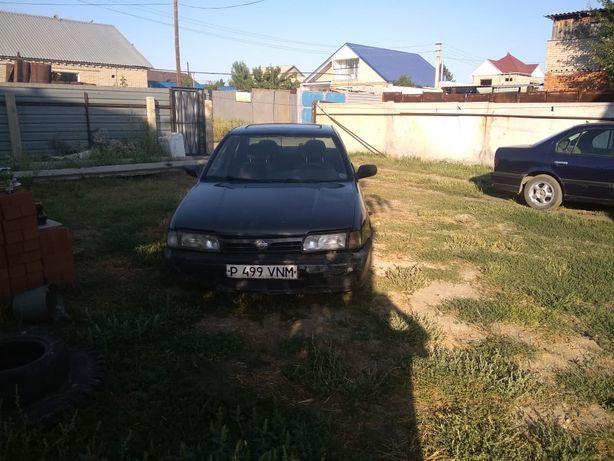 Продам машину нисан примьера 1.6 объем 1994 года