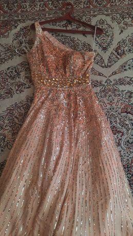 платья от Sherri Hill