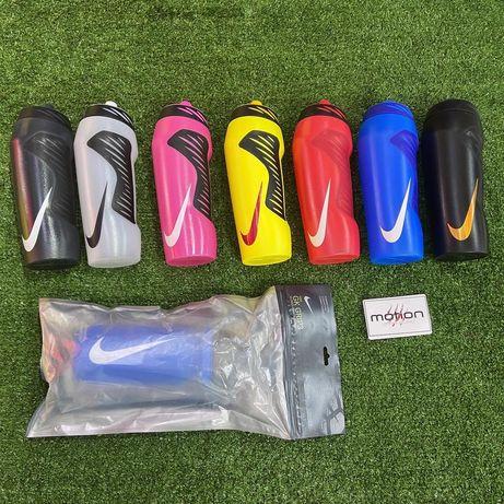 Футбольная питьевая бутылка со сквизером Nike в Алматы