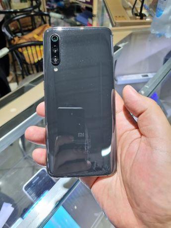 Срочно Xiaomi Mi 9 64гб