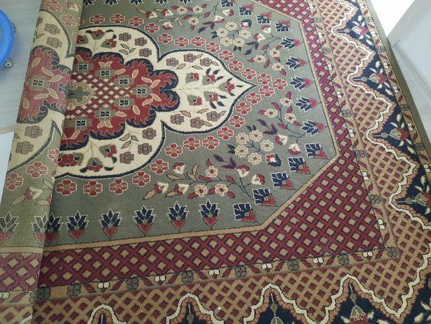 Продам ковёр большой