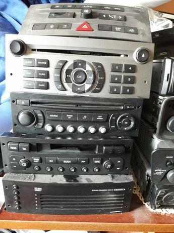 Пежо CD / радиокасетофон