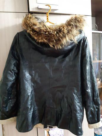 Продам итальянскую кожаную куртку