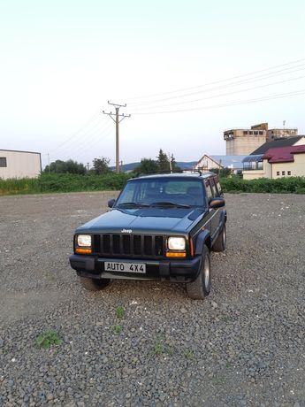 Jeep cherokee  2.5 diesel 4x4 mic mare