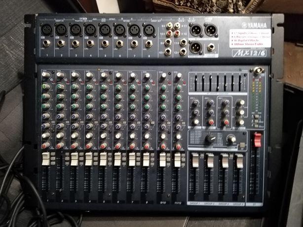 Vând Mixer Yamaha