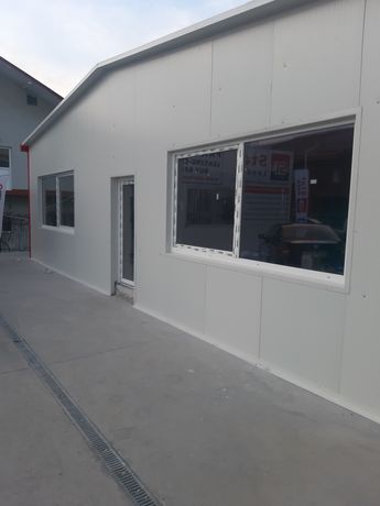 Vand containere și garaje la comanda și plăcerea clienților noștri și