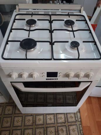 Газовая плита фирма  ВЕКО  60×60