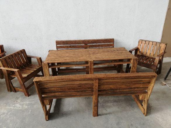 Мебели от палети! Комплект маса , пейки и фотьойли /стол/ !