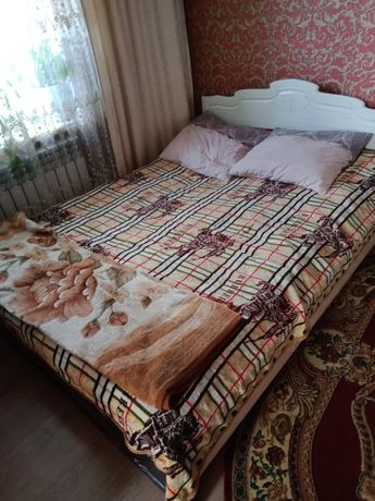 Продам двухспальную кровать диван
