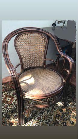 Плетенные кресла из дерева
