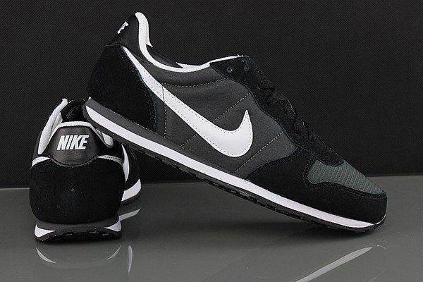 Pantofi sport BARBATI Nike 41EU (7 UK/8 US/26 CM) - NOU