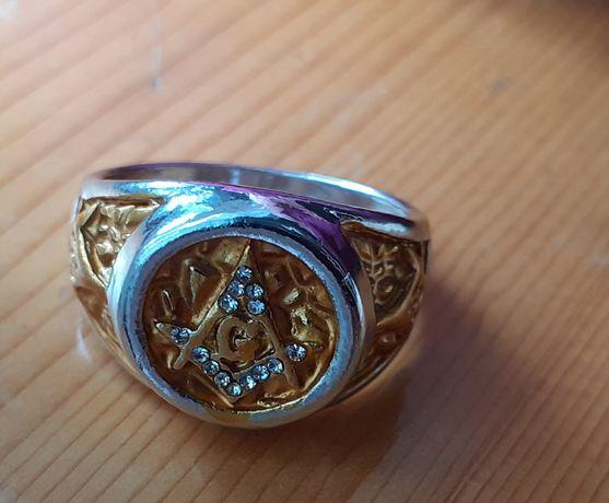Мъжки пръстен масонско лого G