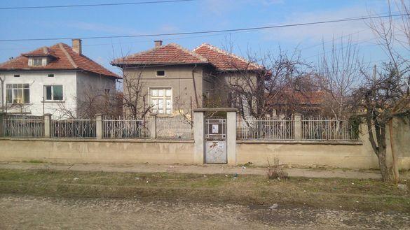 къща с двор в град  Кнежа, област Плевен
