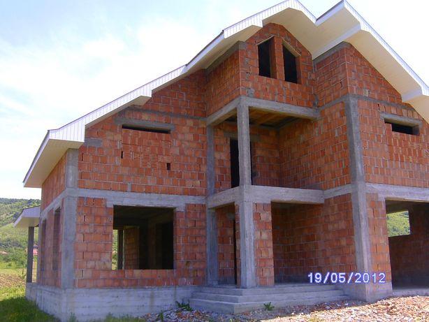 Vând casă în Seini