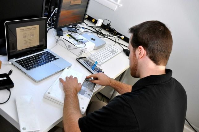 Специалист по ремонту компьютеров ноутбуков выезд на дом Сервис Центр