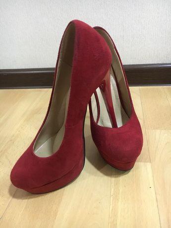 Бордовые, красные туфли