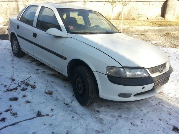 НА ЧАСТИ Opel vectra b опел вектра б