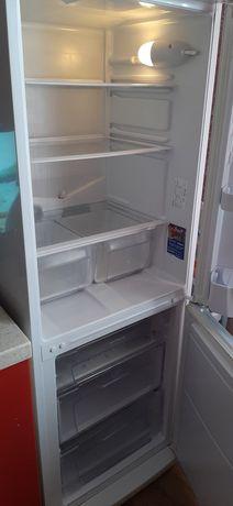 Продам холодильник Indesit. Караганда