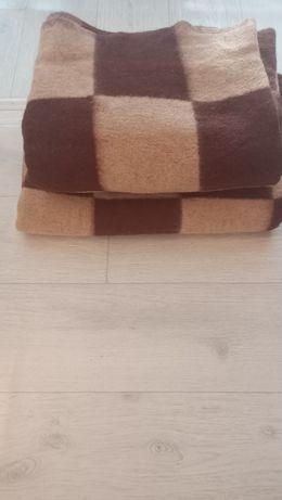 Одеяло из шерсти в хорошем состоянии