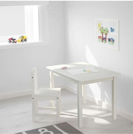Продается детский стол икеа
