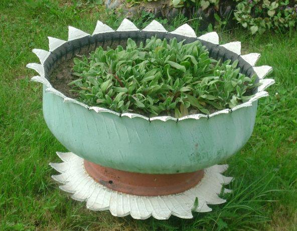 Lebede si flori ornamentale pentru o grădina de vis