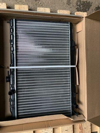 Радиатор охлаждения Hyundai ix35 / Sportage III 2.0-2.4 (09)