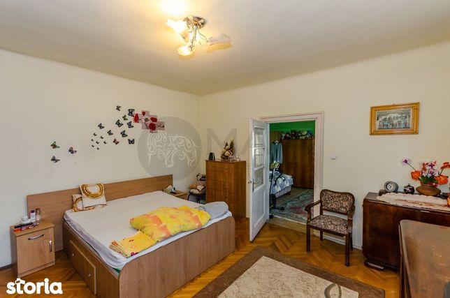 Apartament la casa , 4 camere, teren 173 mp ,cartierul Terezian
