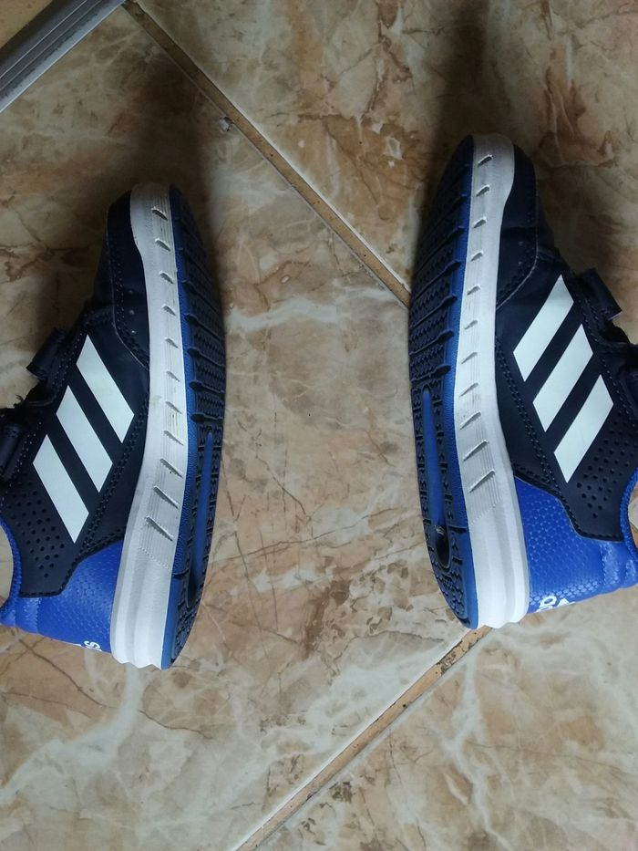 Adidasi Sighisoara - imagine 1
