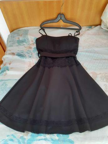 Черни къси рокли с дантела