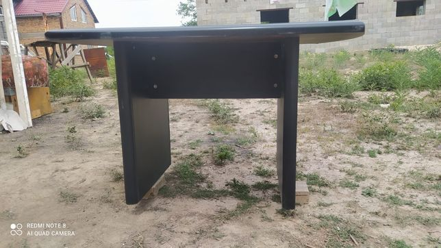 Продам стол.            .