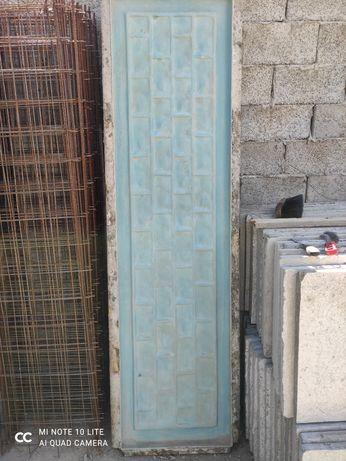 Vând matrițe placi beton gard