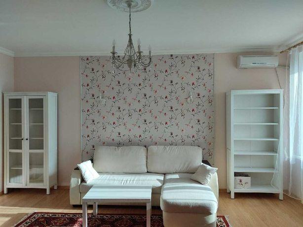 Сдается 1 комнатная квартира в районе Азия парка 100 000 тг.