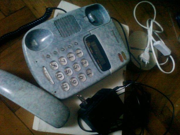 Телефон стационарный с адаптером в идеальном рабочем состоянии+ПОДАРОК