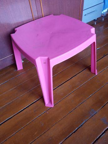 Детский столик продам